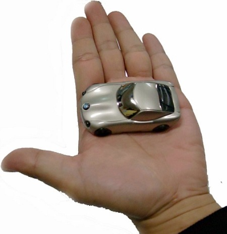 BMW leksaksbil med inbyggd spionkamera