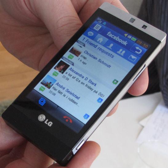 LG GD880 Mini mobiltelefon