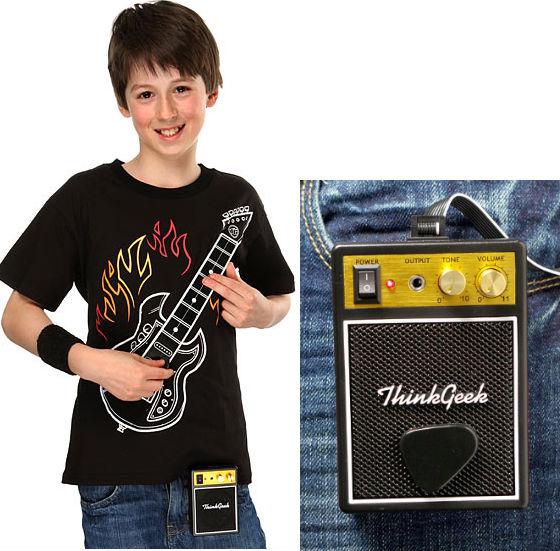 T-shirt med spelbar elgitarr och förstärkare