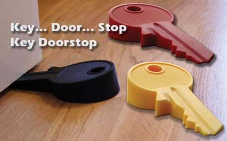 En nyckel som dörrstopp
