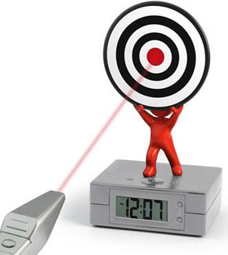 Väckarklocka med laserpistol