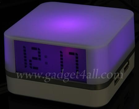 USB-hub med klocka och stämningsljus