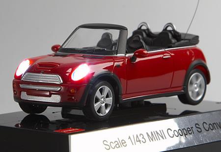 Radiostyrd liten Mini Cooper S cabriolet