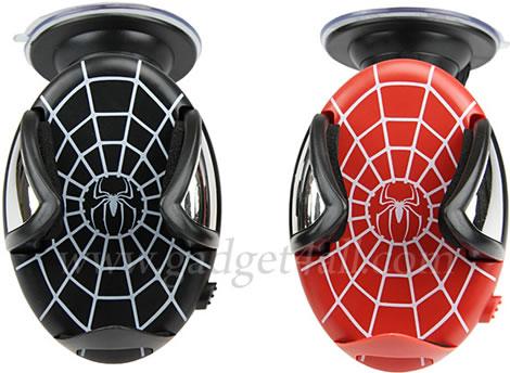 Spider-Man som mobilhållare för bilen