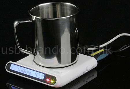 USB-hub med koppvärmare och klocka
